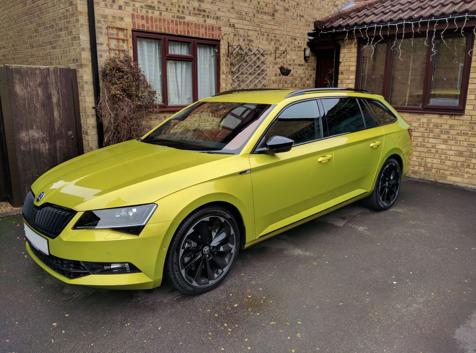 dragongreen skodasuperbsportline skoda superb sportline gallery briskoda. Black Bedroom Furniture Sets. Home Design Ideas