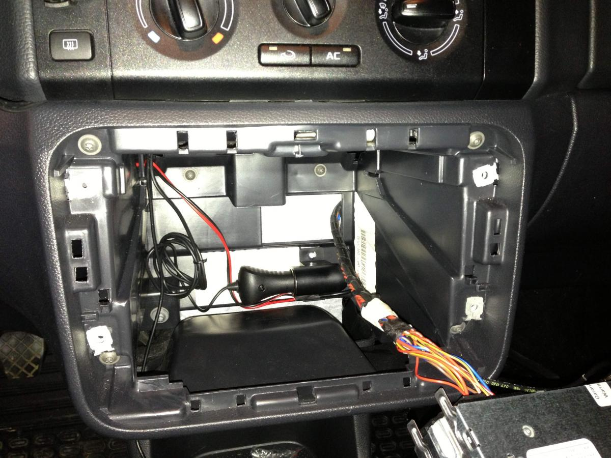 Fabia Ii Best Place To Tap Switched 12v Lighting Circuit Skoda Roomster Fuse Box Diagram Post 101983 0 05831000 1365591863 Thumb