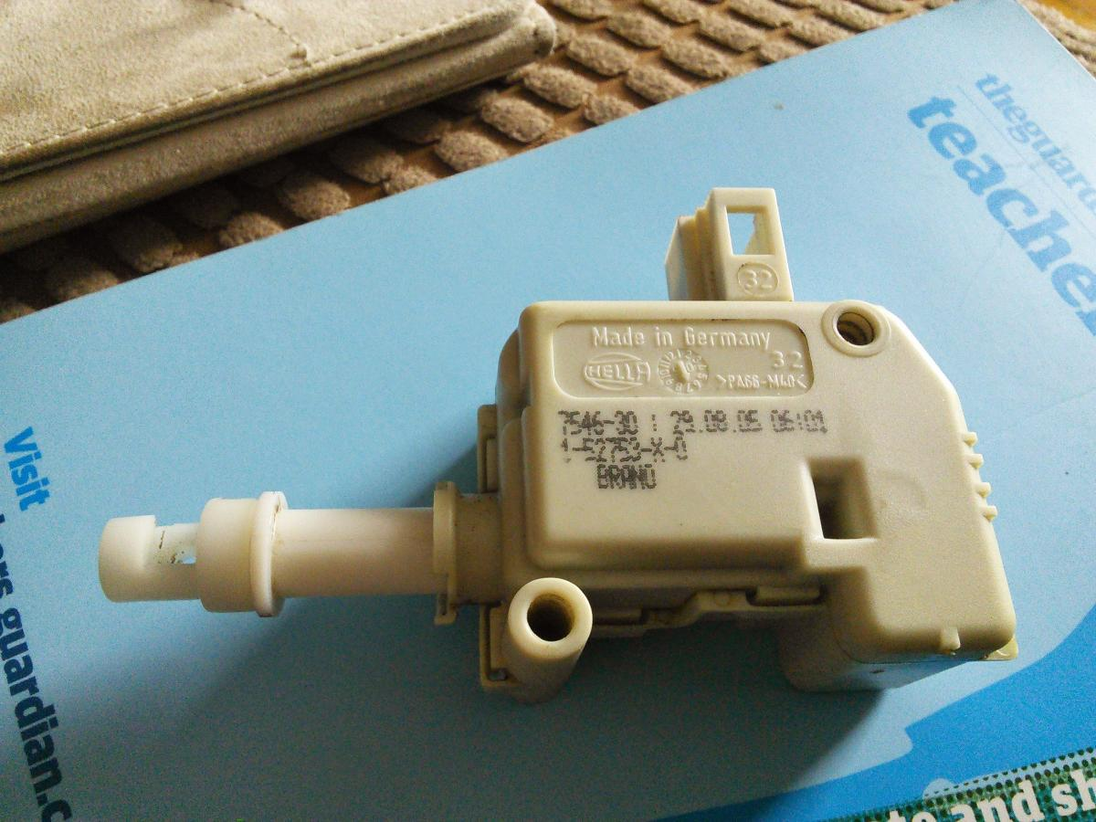 Electronic Boot Release Failure Skoda Fabia Mk I Briskoda Classic Fuse Box Post 105123 0 25239500 1411913087 Thumb