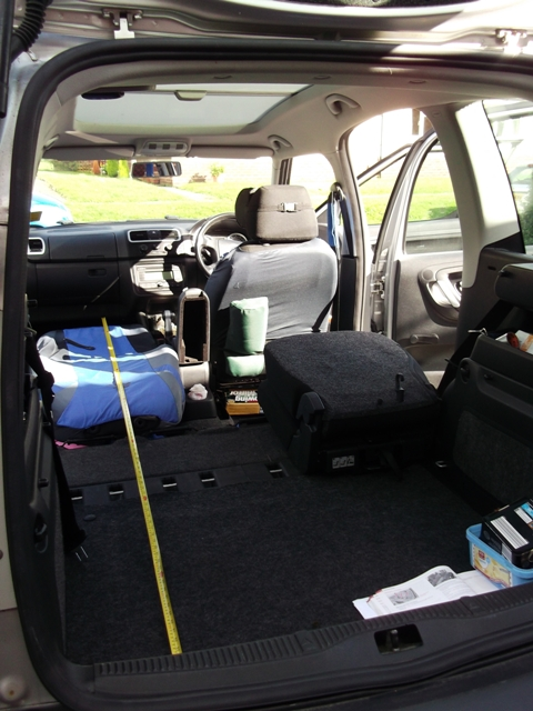 Converting to a small camper   Skoda Roomster Mk I  BRISKODA