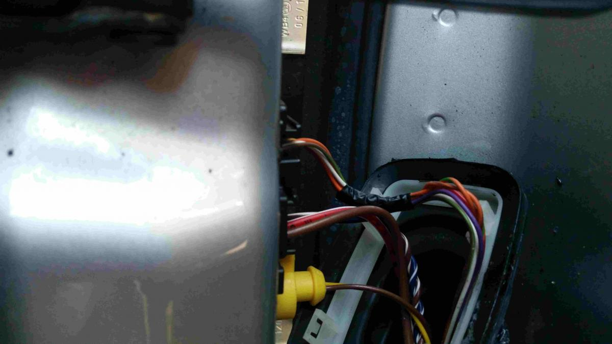 Drivers Side Door Card Light And Wing Mirror Puddle Light