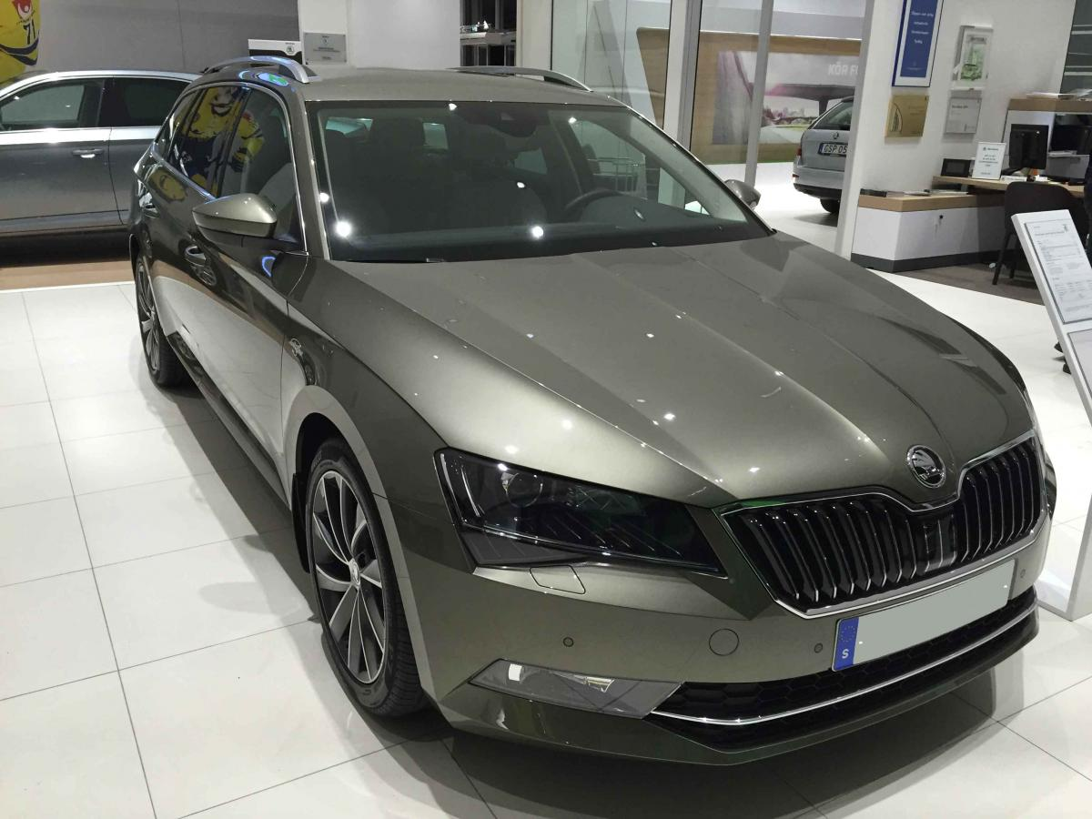 l k 4x4 jungle green skoda superb mk iii briskoda. Black Bedroom Furniture Sets. Home Design Ideas