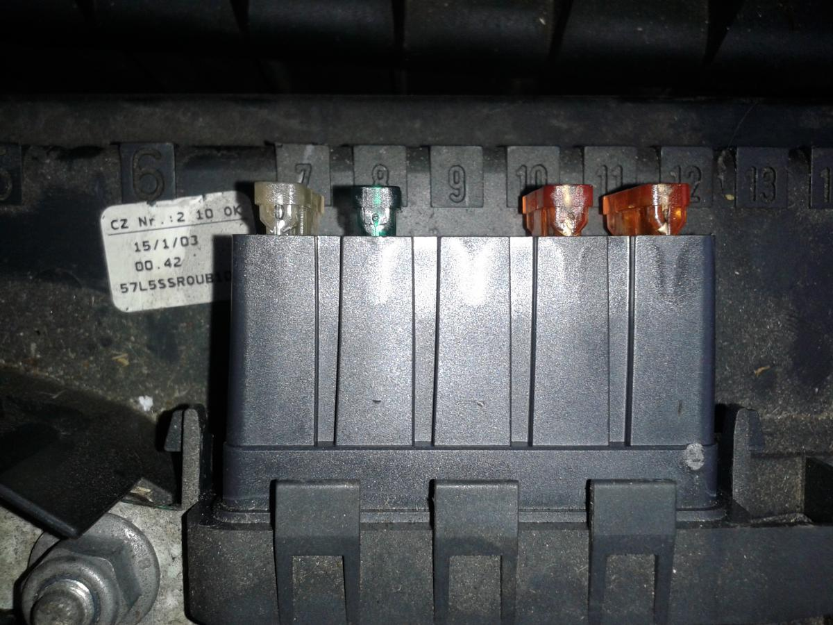 post 73816 0 39499100 1386621593 the mki fabia fuse layout post *updated with bulb types* skoda skoda fabia 2003 fuse box diagram at gsmportal.co