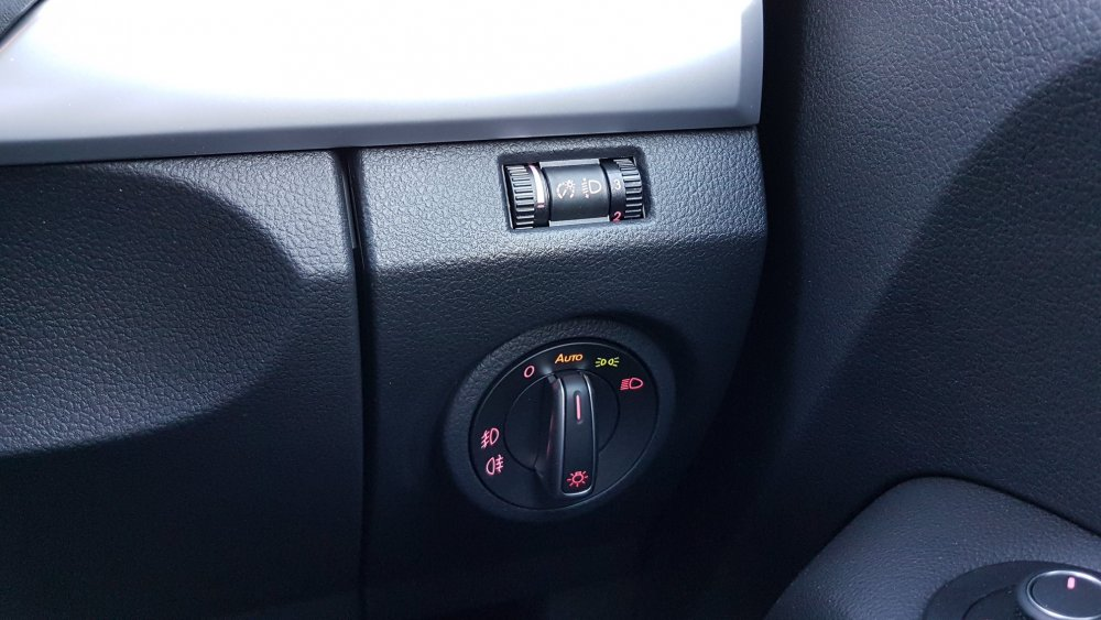 LED headlight adjustment - Skoda Octavia Mk III (2013 onward