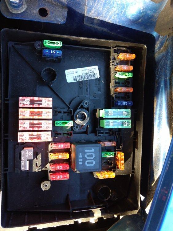 under bonnet fuse box layout... - skoda octavia mk ii ... skoda octavia 1 fuse box #15