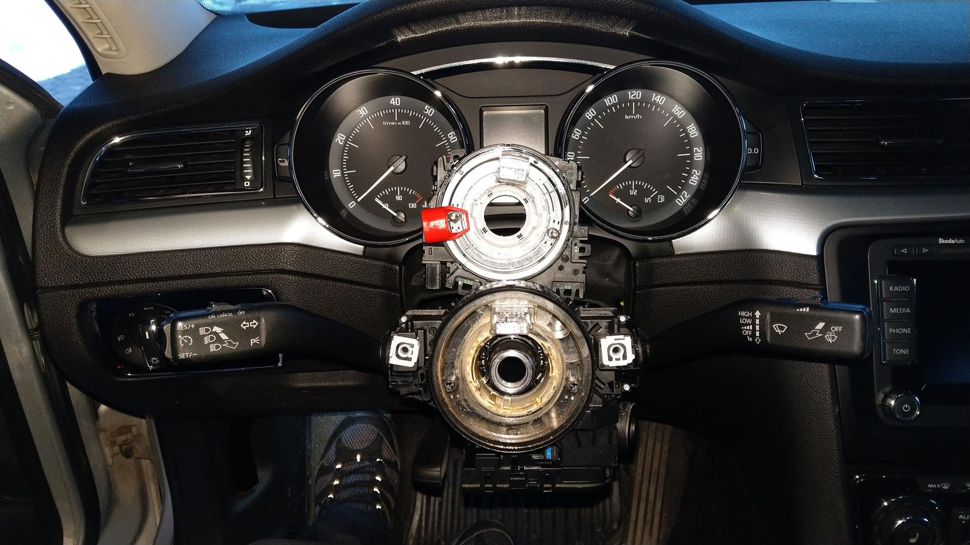 HELP! Steering wheel MFSW retrofit issues/questions - Page 4 - Skoda