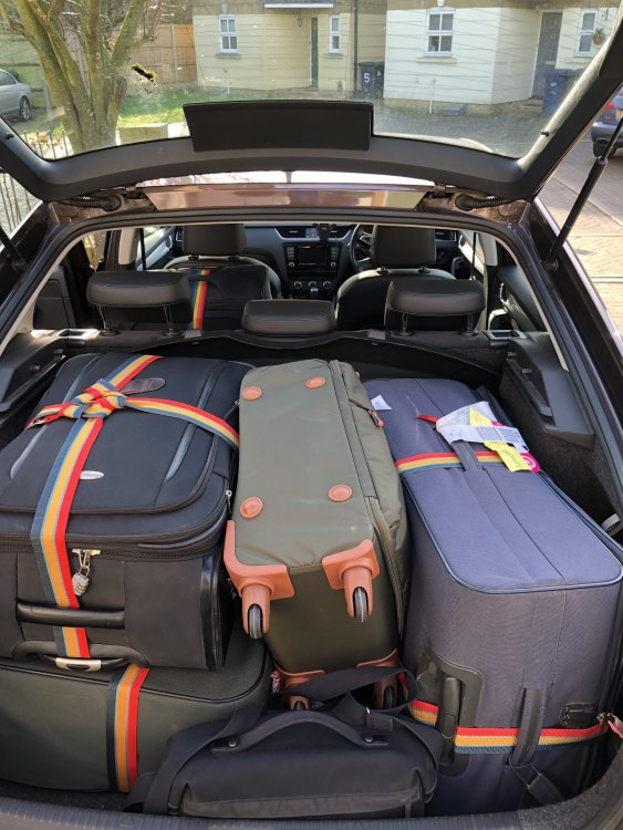 Boot space for 4 largest suit cases? - Skoda Octavia Mk ...