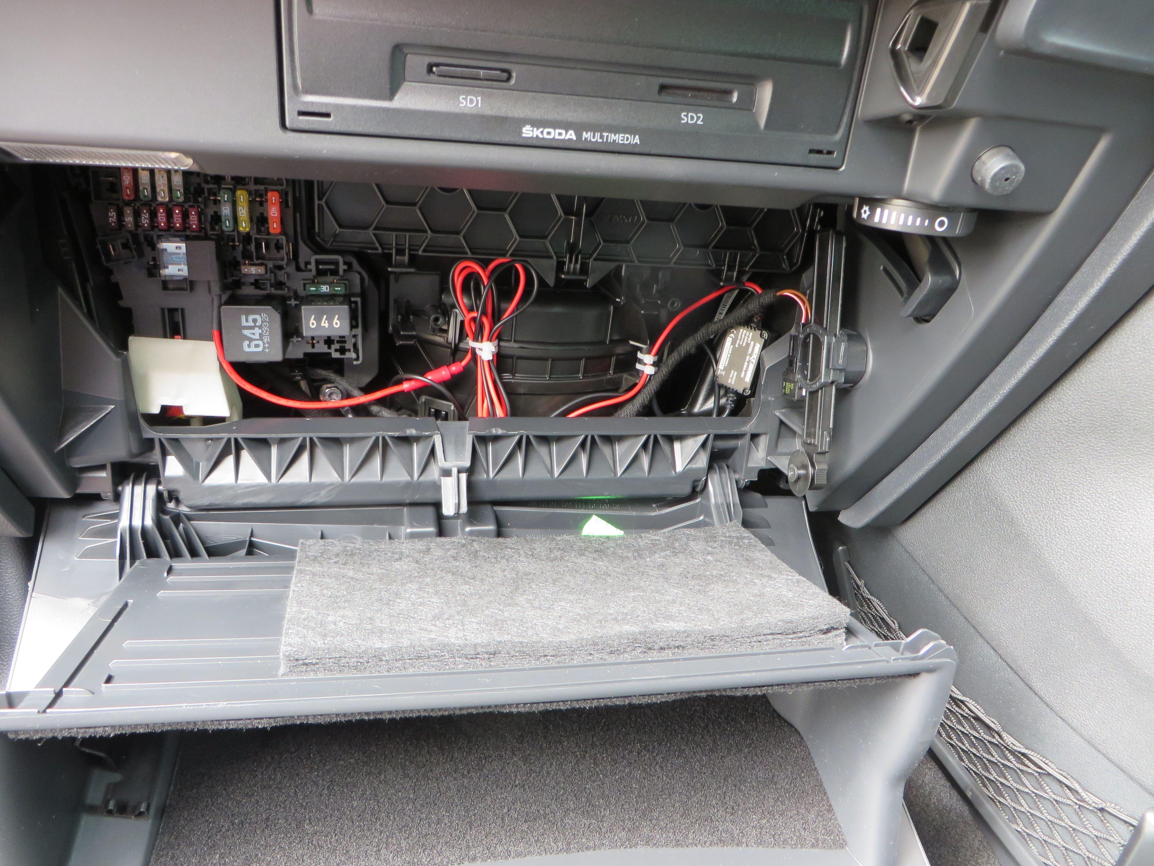 Dashcam Switched Power - Skoda Karoq Guides - BRISKODA on