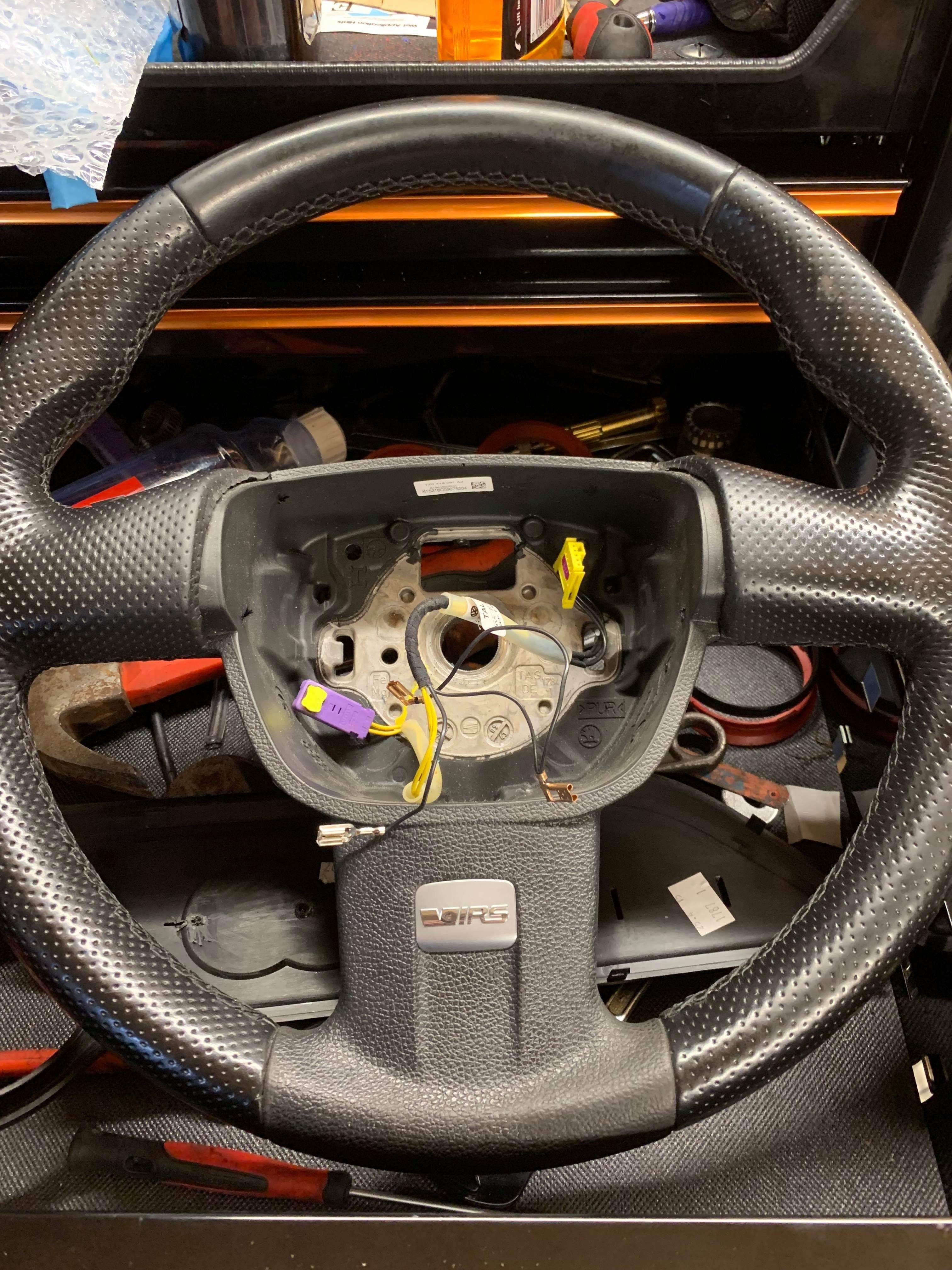 MK2 Octavia vRS Facelift Steering Wheel with Modified Loom